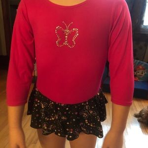 4/5 dark pink and black leotard
